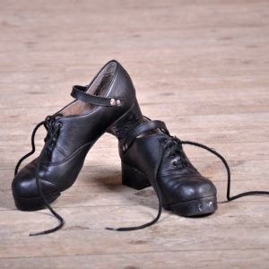 Life's a céilí, so take an Irish Dancing course!